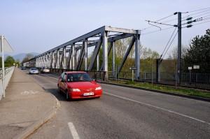 Le pont ferroviaire franchissant le Rhin